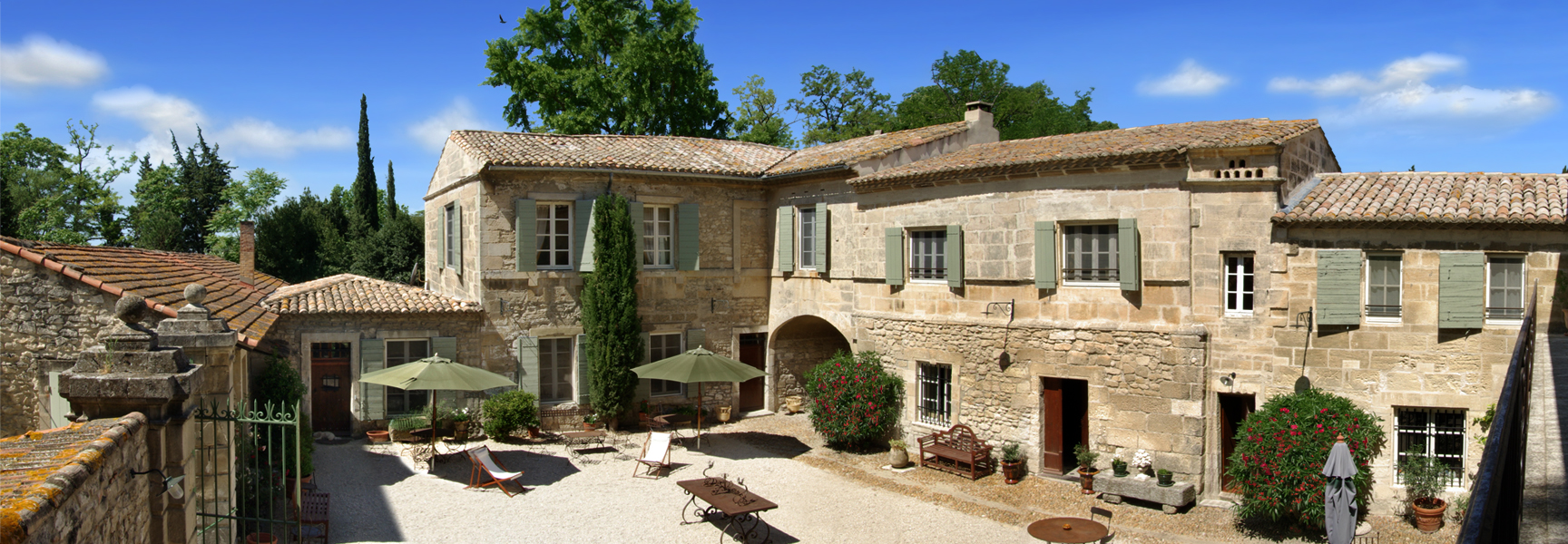 Spend a whole week end in a wedding venue in french for French provence style homes