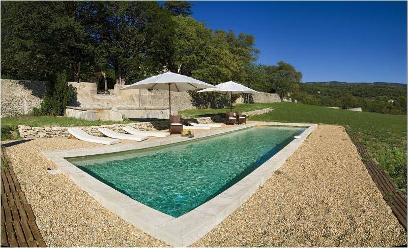 New wedding villa in Luberon, available on September 2013