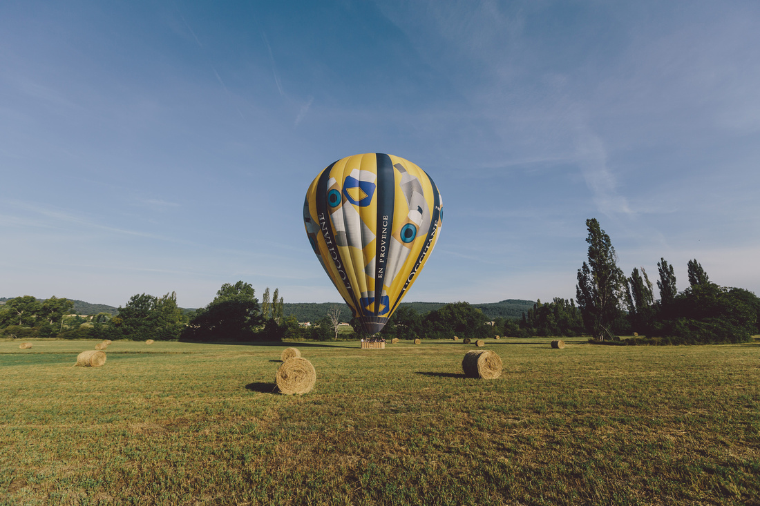 incredible wedding ceremony in a hot air balloon by ehc and weddingsonthefrenchriviera (3)