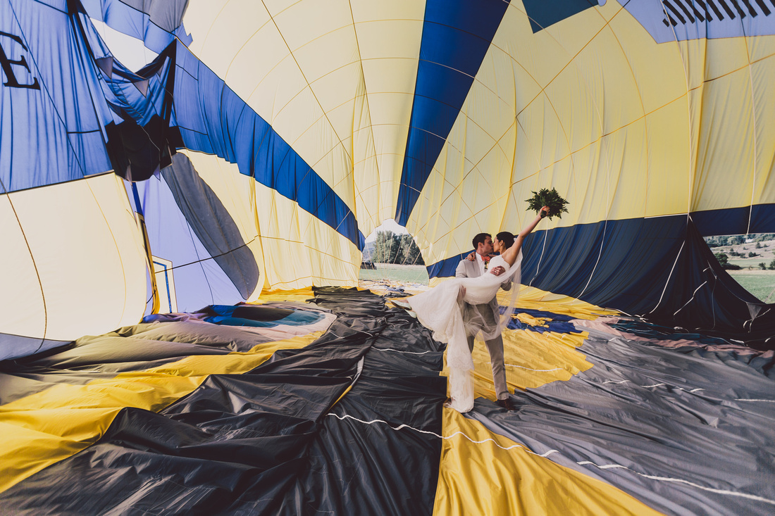 incredible wedding ceremony in a hot air balloon by ehc and weddingsonthefrenchriviera (6)