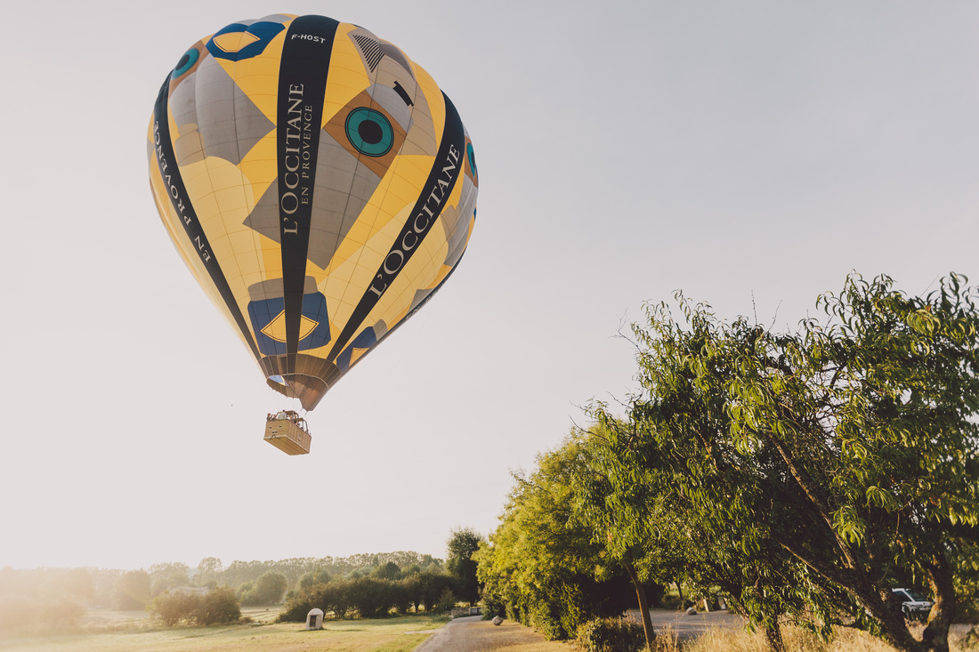 incredible wedding ceremony in a hot air balloon by ehc and weddingsonthefrenchriviera