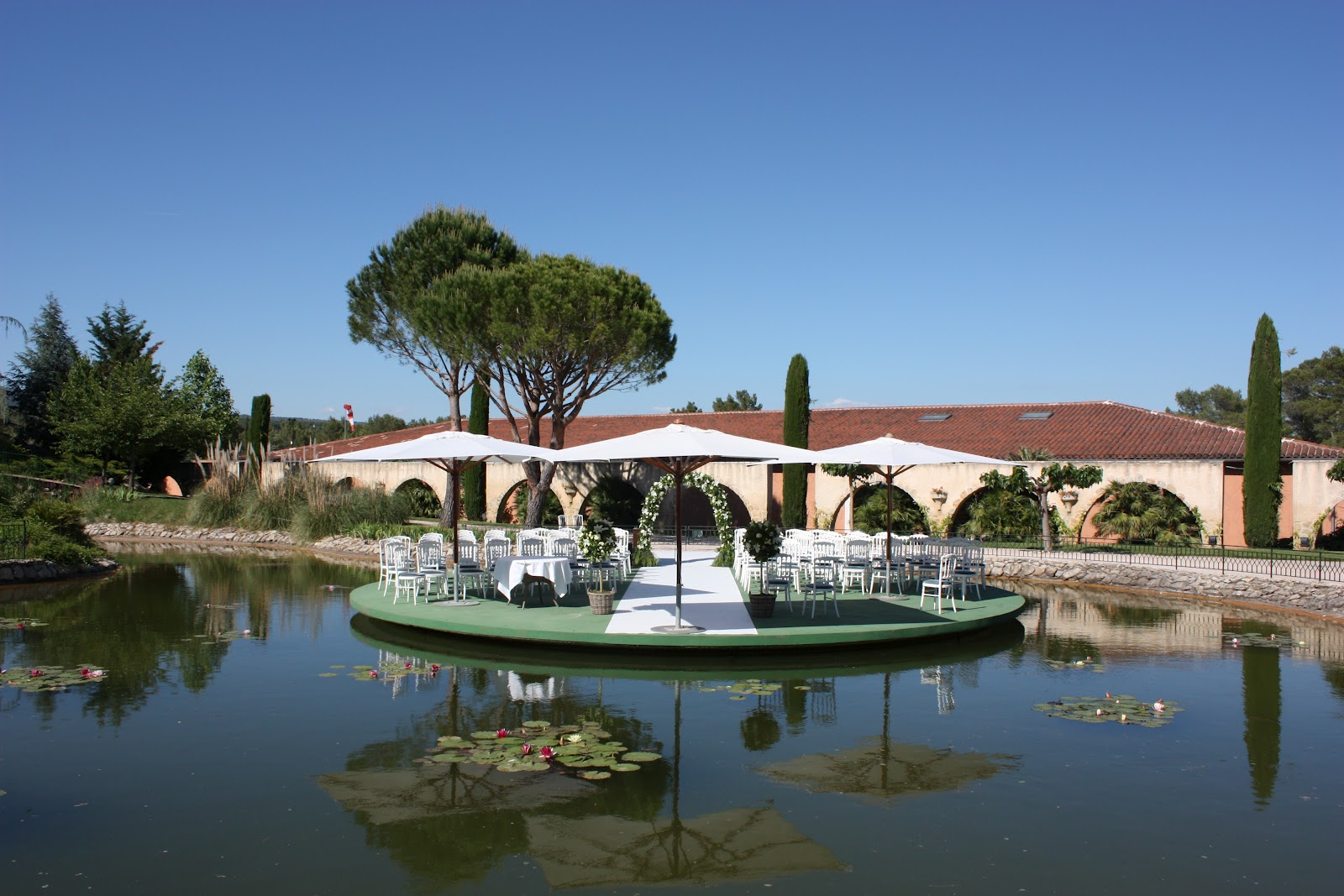 lovely wedding package in provence 1