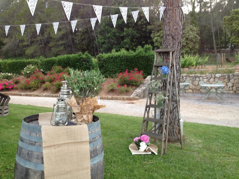 vintage decor wedding in provence 1