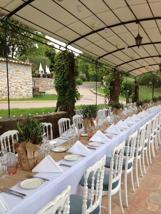 vintage decor wedding in provence 15